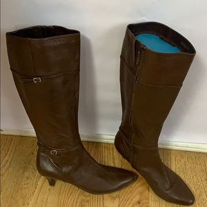 COLE HANN TALL BROWN LEATHER BOOTS SIZE 9B